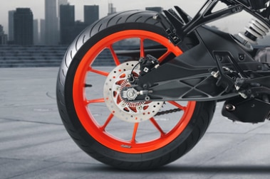 KTM RC 125 Rear Tyre View