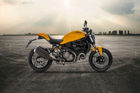 Ducati Monster 821 STD