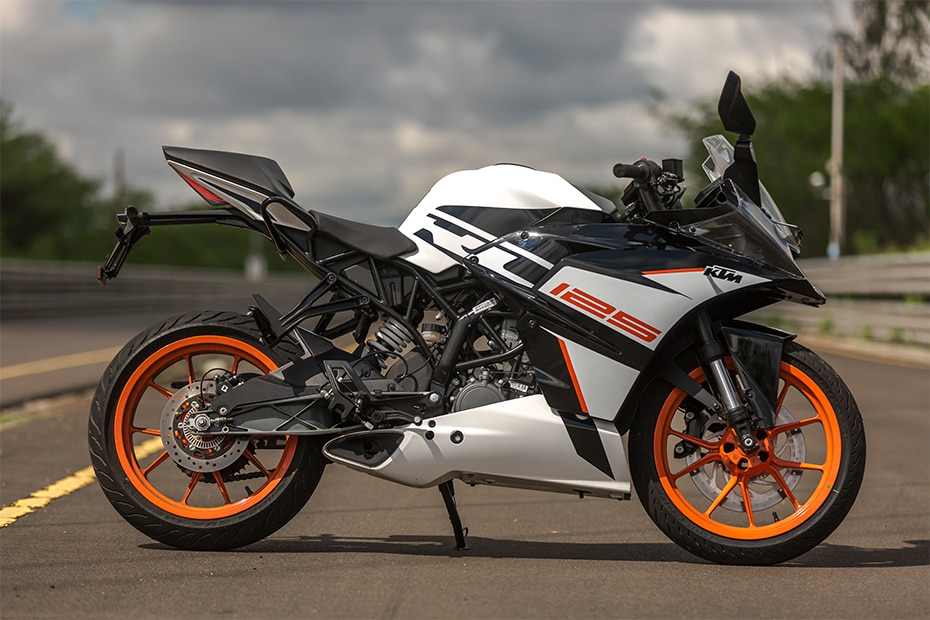 KTM RC 125 Right Side View