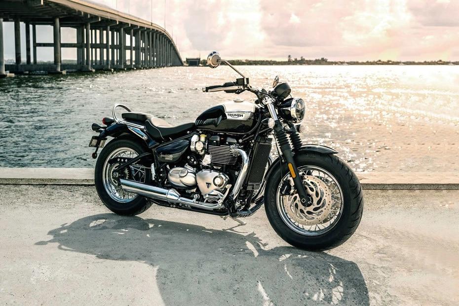 Triumph Bonneville Speedmaster Front Right View