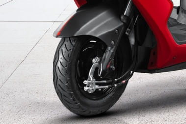 Ampere Zeal   Rear Tyre View