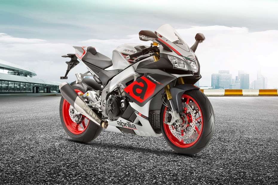 Aprilia RSV4 Front Right View