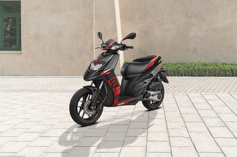 Used Aprilia SR 150 Scooters in Delhi