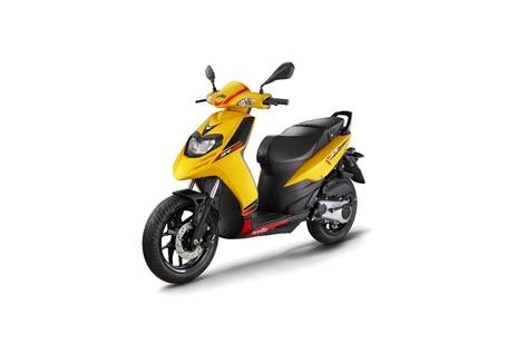 Aprilia SR 125 Yellow
