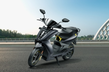 Ather 450X Front Left View