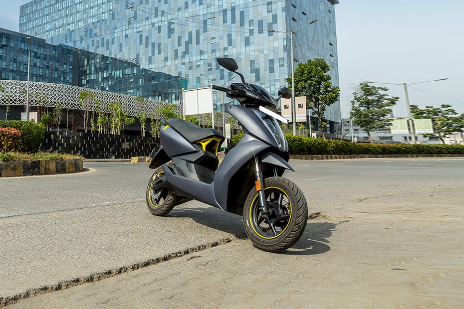 Ather 450X Front Right View