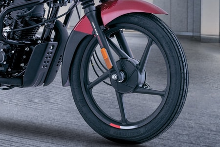 बजाज CT100 Front Tyre View