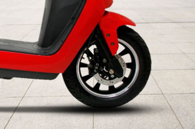 BattRE Electric Scooter Front Tyre View
