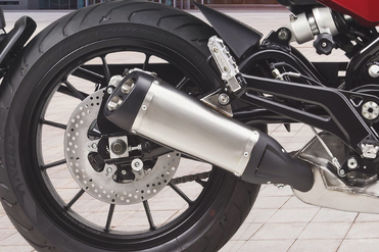 Benelli Leoncino 500 Exhaust View