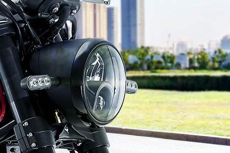 Benelli Leoncino 500 Head Light