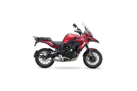 Benelli TRK 502 Red