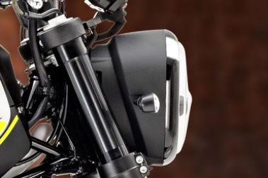 Benelli Leoncino 250 Head Light
