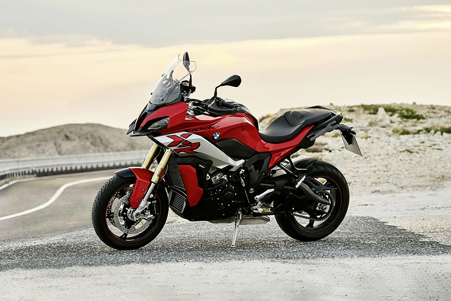 BMW S 1000 XR Right Side View