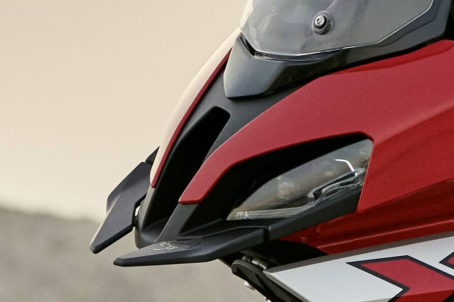 BMW S 1000 XR Head Light