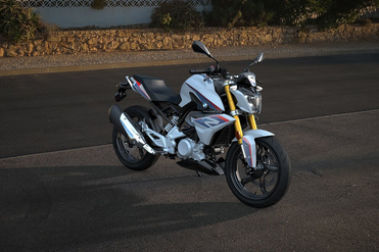 BMW G 310 R Front Right View