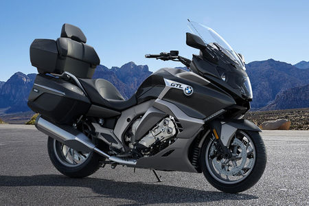 BMW K 1600 GTL Front Right View