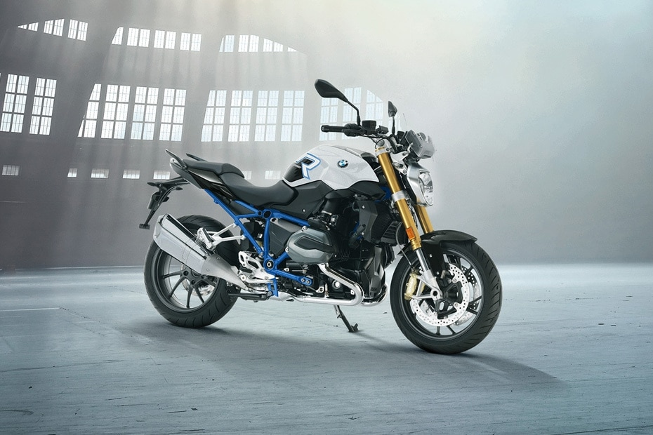 BMW R 1200 R Front Right View
