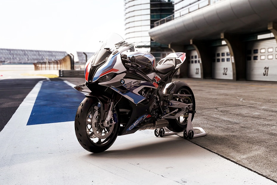 BMW M 1000 RR Right Side View