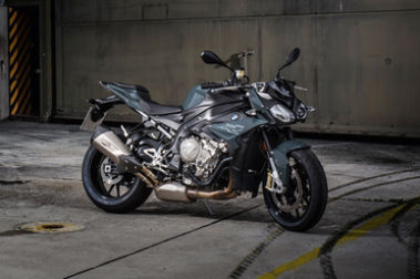 BMW S 1000 R Front Right View