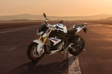 BMW S 1000 R Front Left View