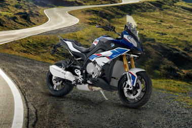 BMW S 1000 XR (2017-2020) Front Right View