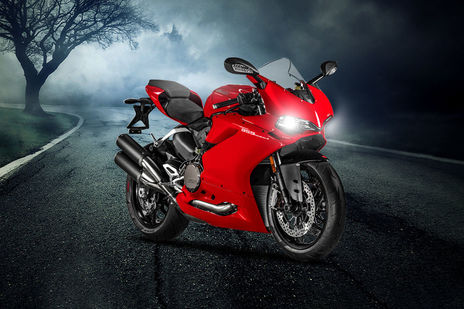 Suzuki Hayabusa vs Ducati 959 Panigale - Know Which is Better