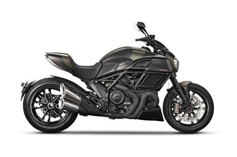 Ducati Diavel Price In Kolkata Inr 1610000 Get On Road Price Gaadi