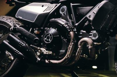 डुकाटी Scrambler 800 इंजन