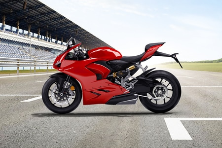 Ducati Panigale V2 Left Side View