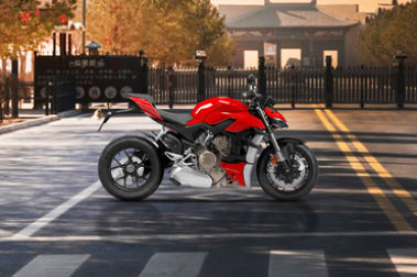 Ducati Streetfighter V4 Right Side View