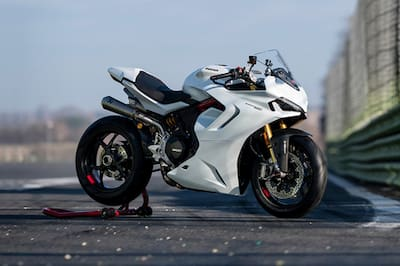 Ducati SuperSport 950 Front Right View