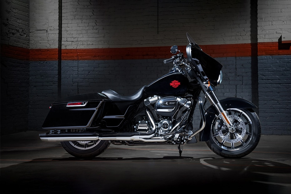Harley Davidson Electra Glide Standard Right Side View