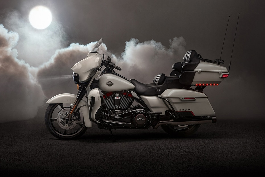 Harley Davidson CVO Limited Left Side View