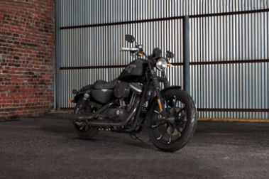 Harley Davidson Iron 883 Front Right View
