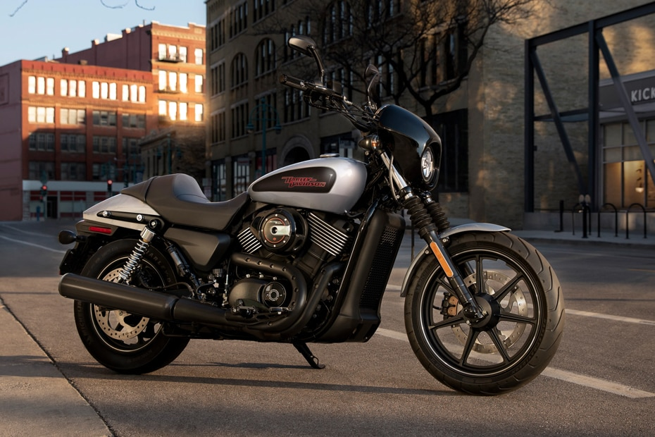 Harley Davidson Street 750 Front Right View