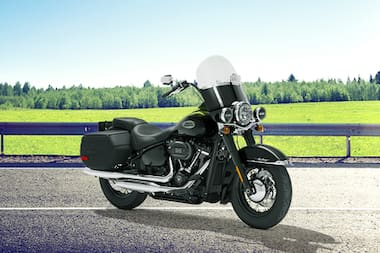 Harley Davidson Heritage Classic Front Right View