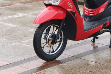 Hero Electric Dash Front Tyre View