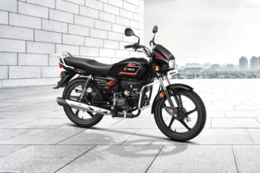 Hero Splendor Plus Front Right View