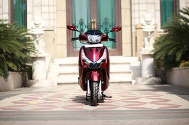 Hero Destini 125 Front View