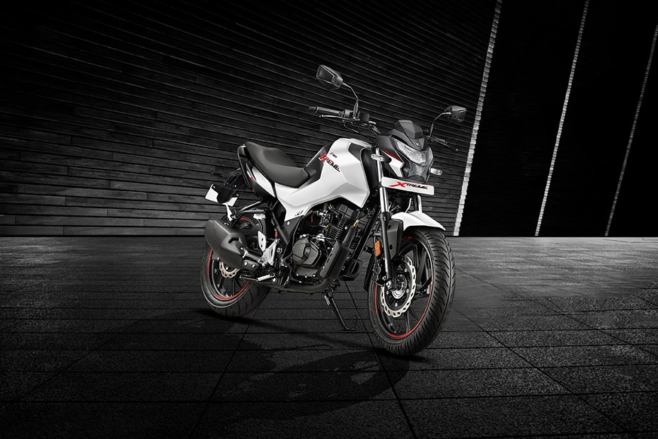 Hero Xtreme 160R Front Right View