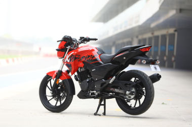 Hero Xtreme 200R Rear Left View