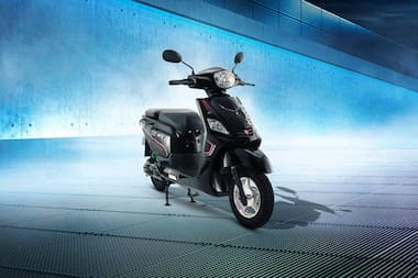 Hero Electric Nyx Front Right View