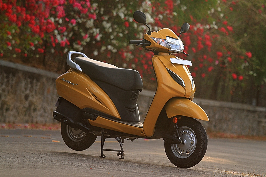 Honda Activa 5G Front Right View