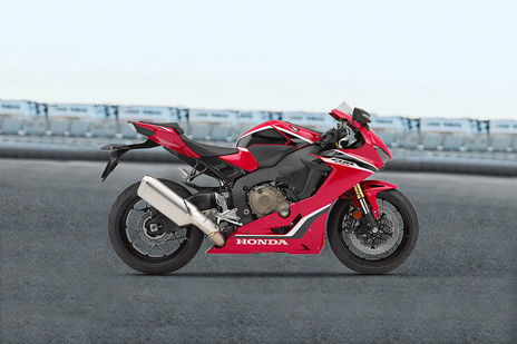 Yamaha YZF R1 Specifications, Features, Mileage, Weight