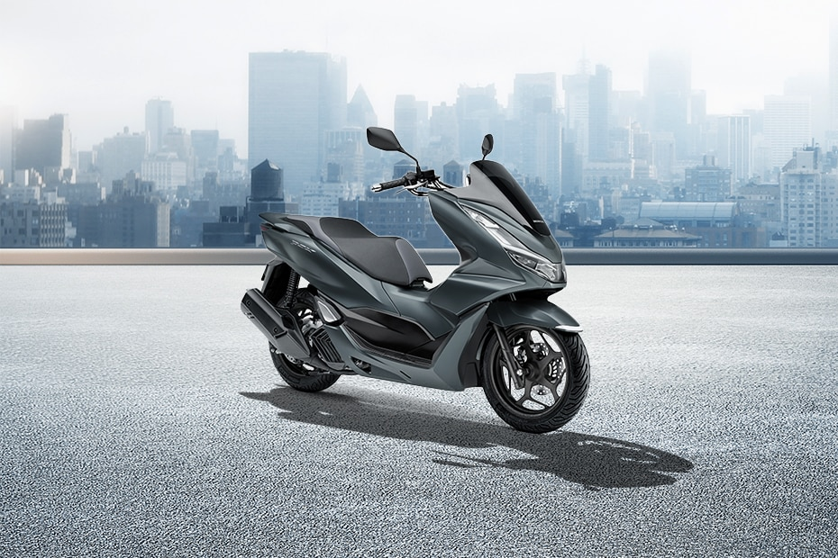 Honda PCX160 Right Side View