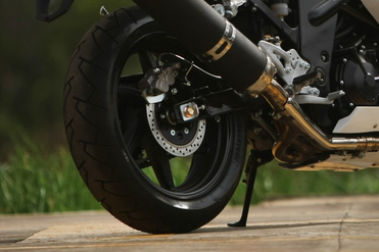 Hyosung GT650R Rear Tyre View