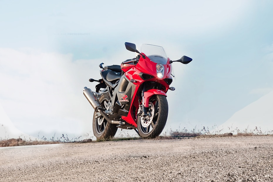 Hyosung GT250R Front Right View