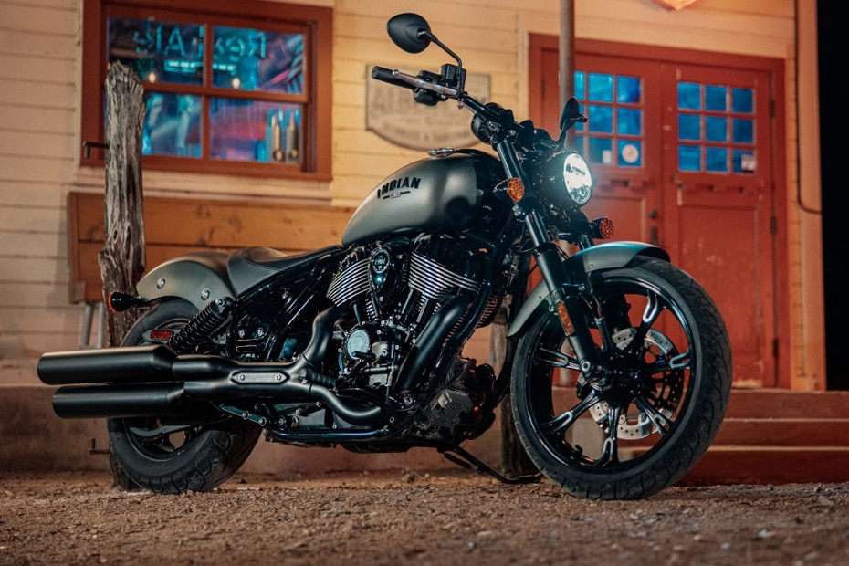 Indian Chief Dark Horse Front Right View