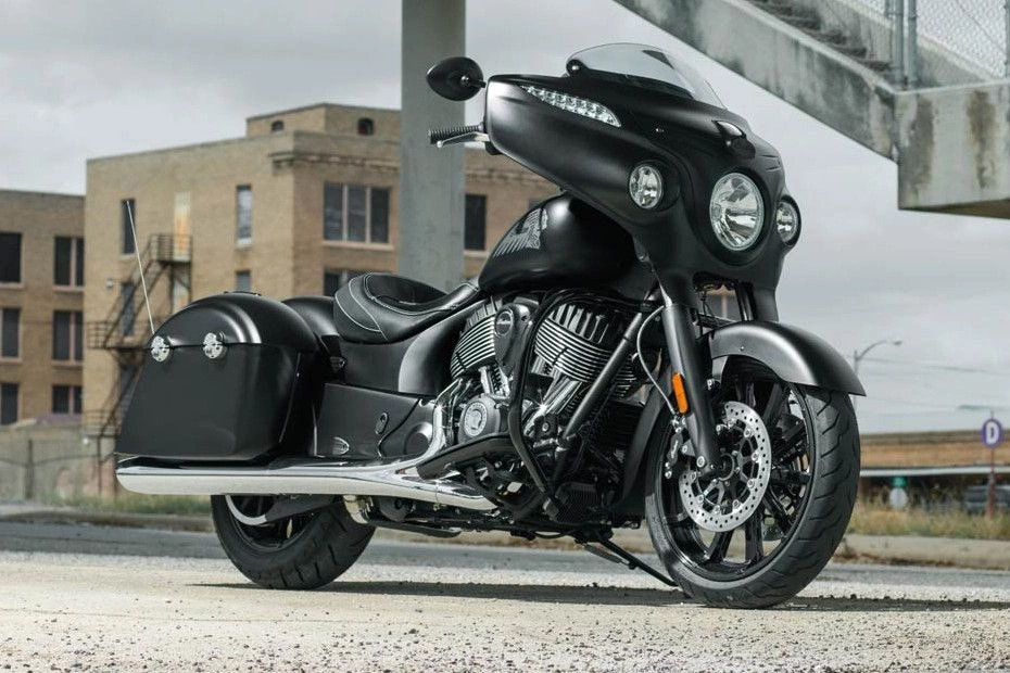 Indian Chieftain Dark Horse Right Side View