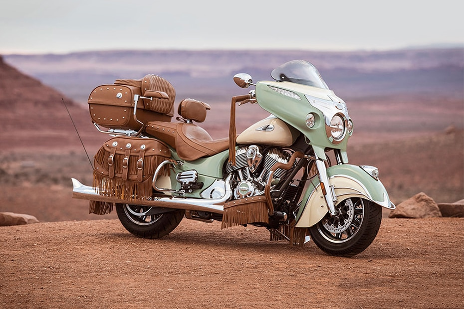 Indian Roadmaster Classic Front Right View